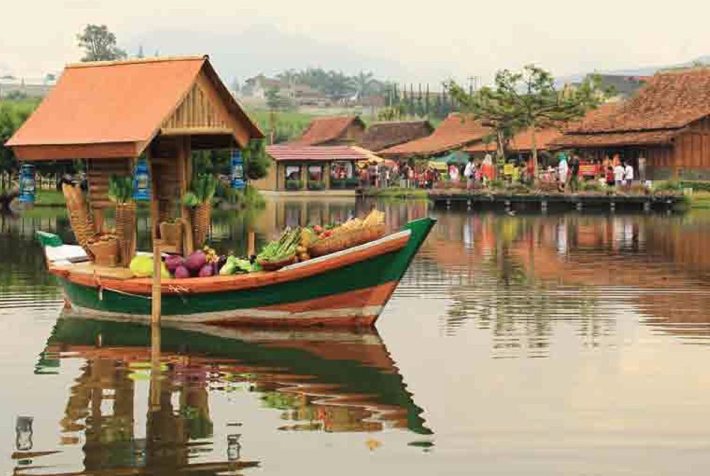 places to visit in lembang floating market
