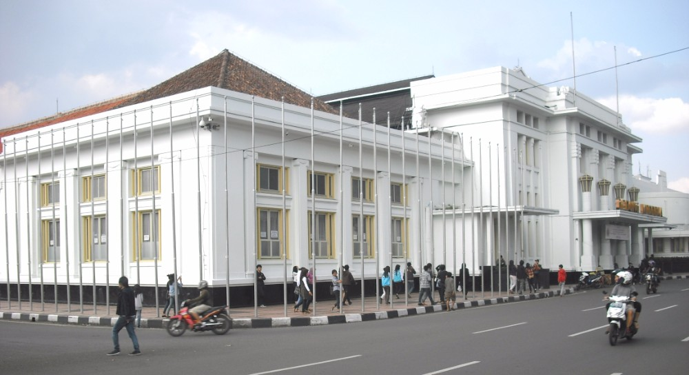 places to visit in bandung gedung merdeka building