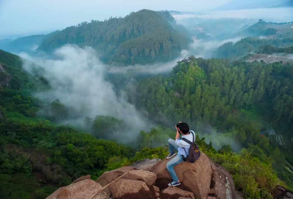 places to visit in lembang tebing keraton cliff