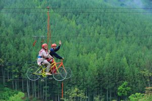 things to do in bandung maribaya lodge cycle