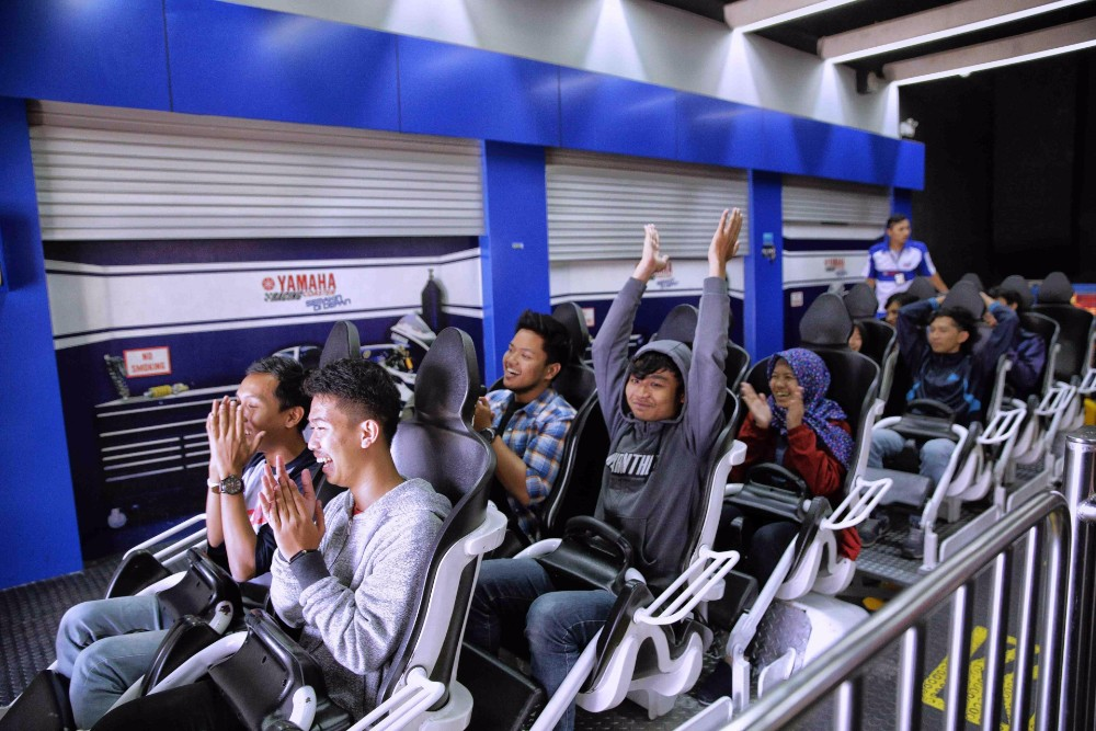 things to do in Bandung trans studio mall roller coaster